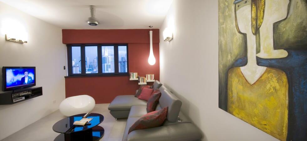 Original canvas art in all rooms